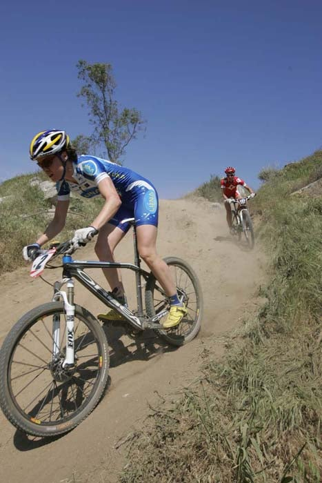 Georgia Gould and Lene Byberg bomb a loose descent during the short-track race in Fontana, California. Photo by Brad Kaminski