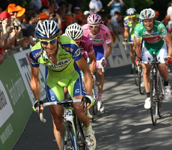 Pellizotti putting the hurt on the peloton in stage 14 of the 2009 Giro. Photo: Graham Watson (file)
