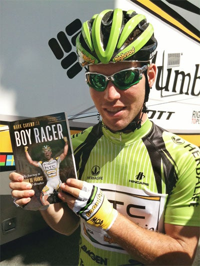 Cav with the book at the Tour of California