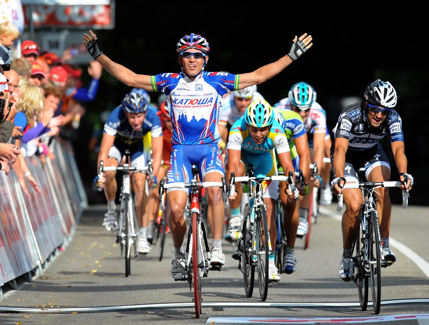 ROBBIE MCEWEN WINS STAGE ONE OF THE 2010 TOUR OF ENECO