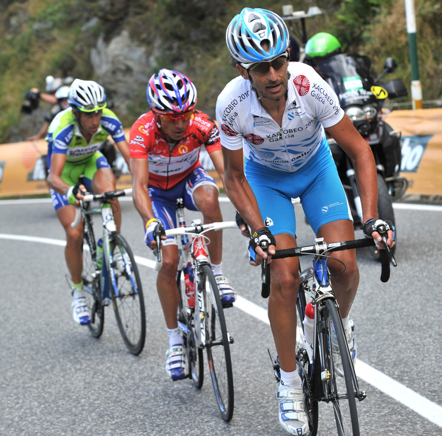 2010 Vuelta a Espana, stage 11: Mosquera's attack reduced the field to three ... but Anton and others fought back.