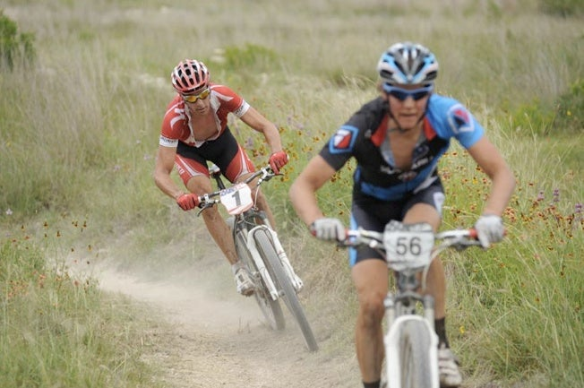 Sam Schultz, foreground, and Todd Wells battle it out at the 2010 Mellow Johnny's Classic. Photo by Sandy Carson