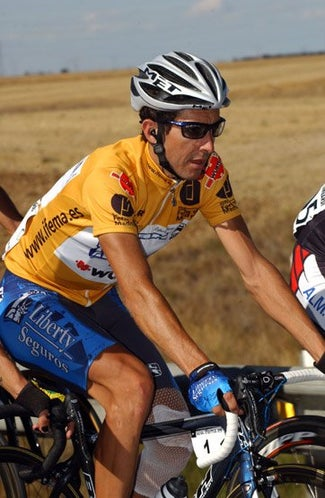 Heras, leading the Vuelta in 2005.