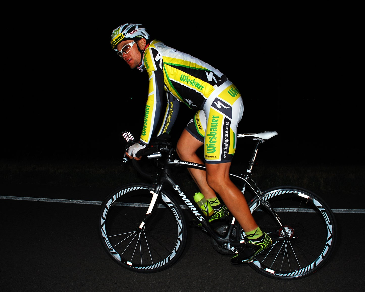 2011 Race Across America. Christoph Strasser continues to hold the lead and an incredible pace of 15.94 mph. No one in years (if ever) has kept this close to the long-standing completed RAAM speed record of 15.4mph set by Pete Penseyres back in 1986. Photo: Vic Armijo