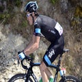 Geraint Thomas presses on at Tour despite broken pelvis
