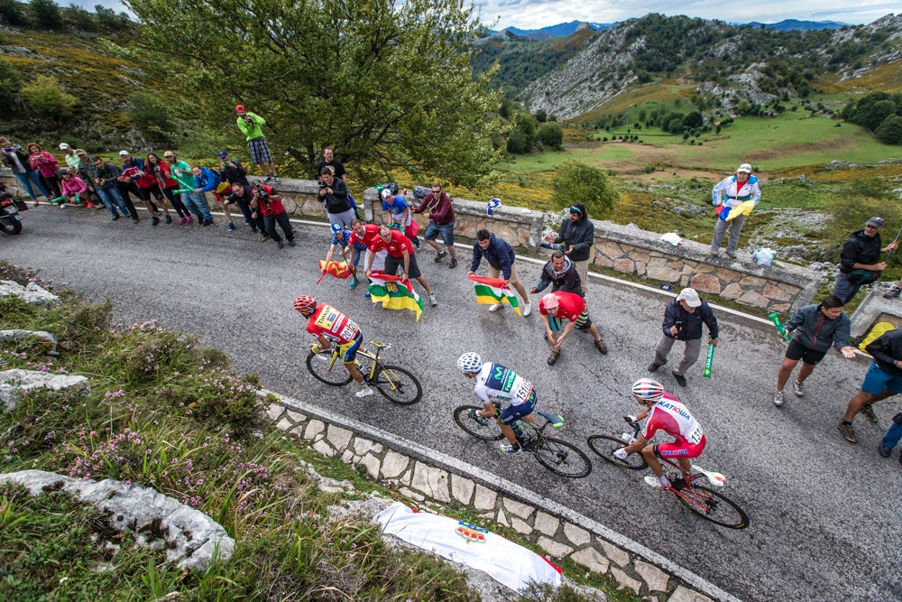 Vuelta lives up to billing as climber's battle with eight mountaintop finishes