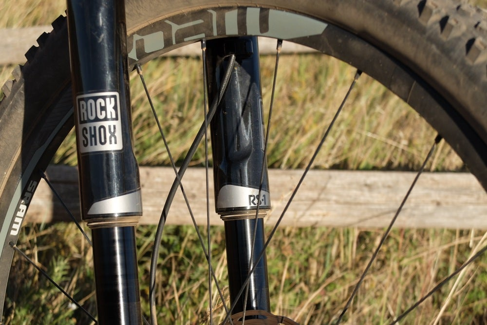 The inverted design keeps the seals well oiled and the stanchions moving smoothly. Photo: Logan VonBokel | VeloNews.com