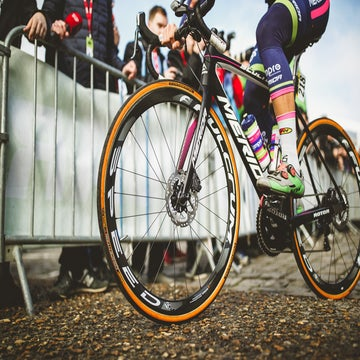Commentary: Disc brakes and cycling's leadership vacuum