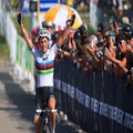 Sanne Cant wins crash-filled Waterloo world cup