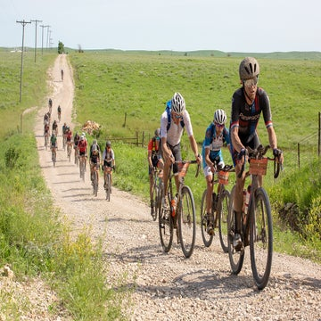 Gravel Dispatch: Up and down and up again at Dirty Kanza 200