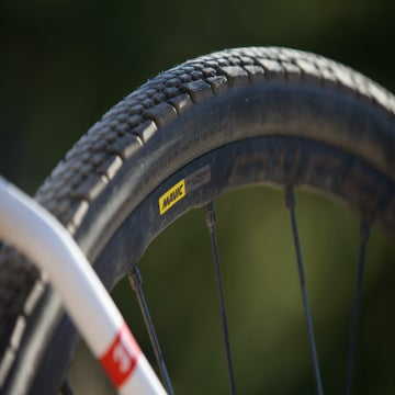 First Look: Mavic Allroad Pro UST Disc wheels and Yksion Allroad XL tires
