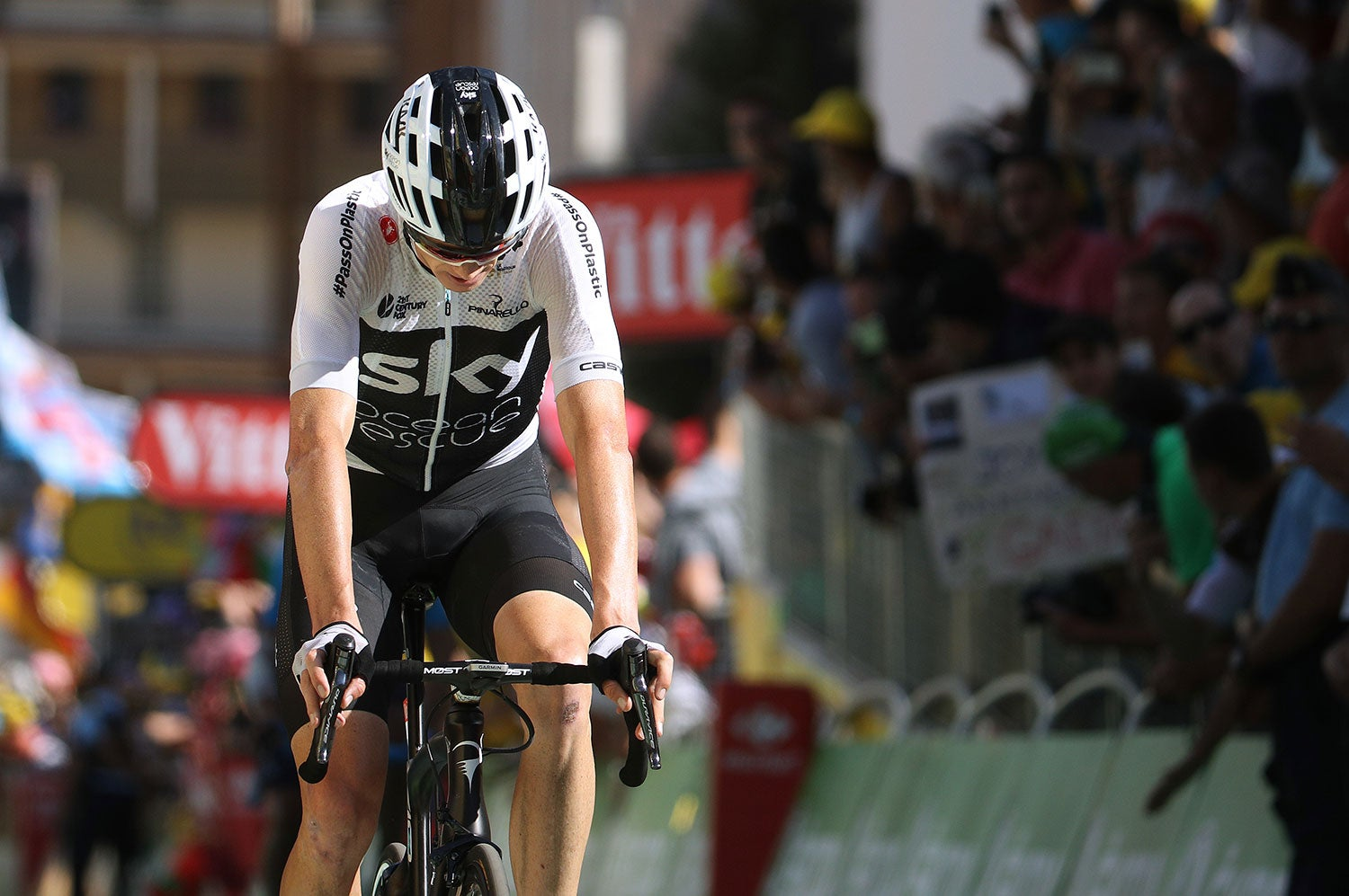 Froome endures abuse on Alpe d Huez 2c2354001