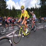 Van Avermaet: It's an honor to defend yellow