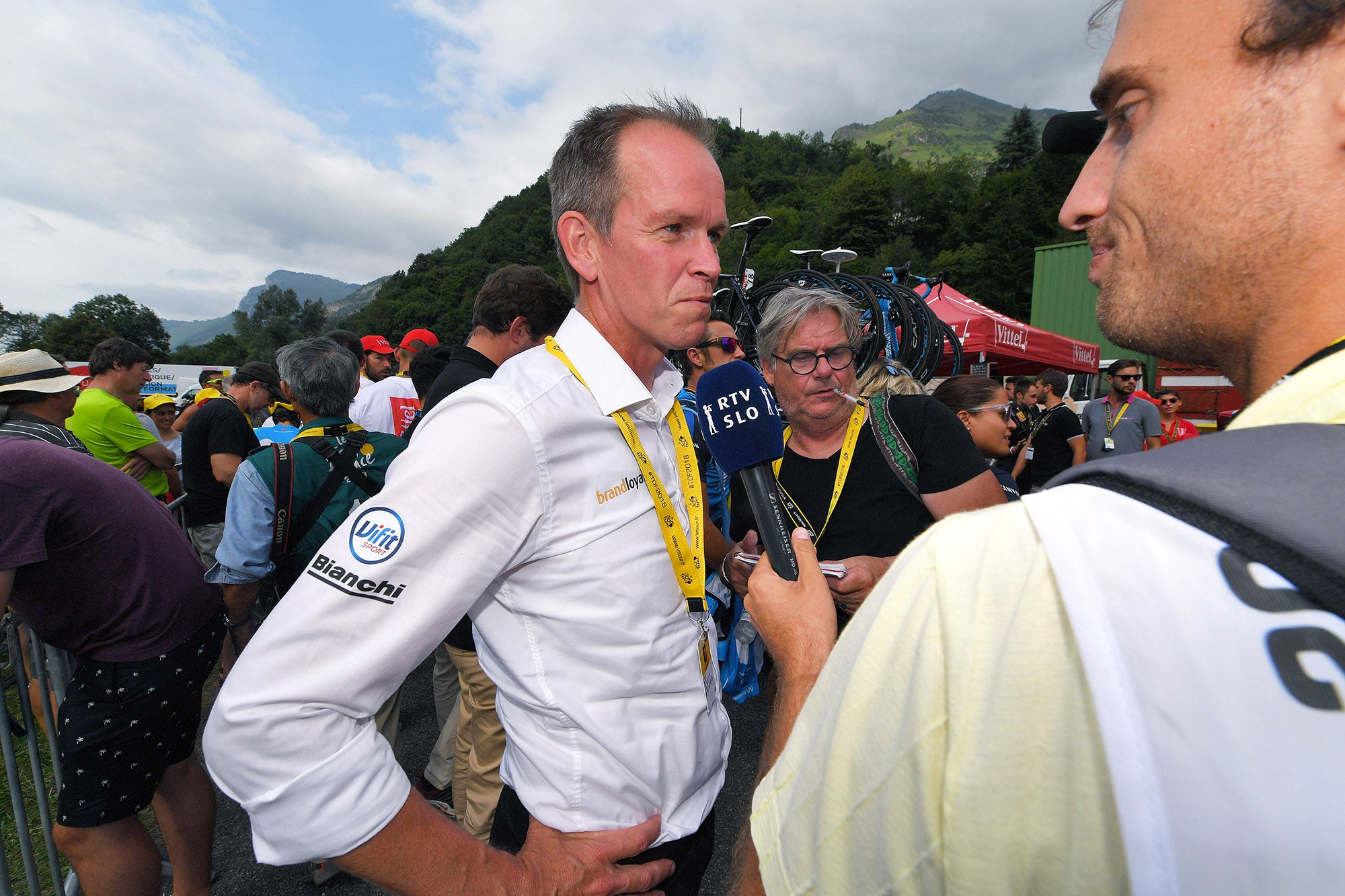 Teams balk at UCI's proposed Tour de France qualifying rules