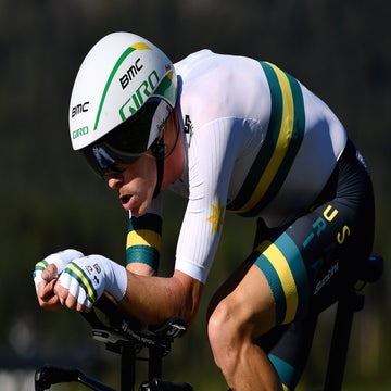 Dennis routs Dumoulin in world time trial championships