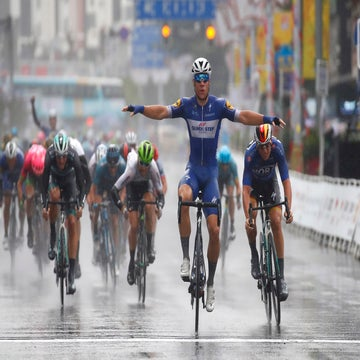 Guangxi stage 6: Jakobsen wins another wet sprint