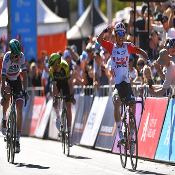 Ewan holds off Sagan to take Down Under Classic