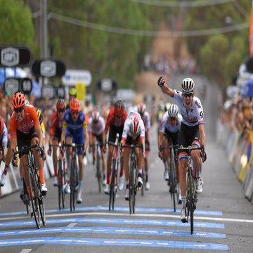 Tour Down Under: Impey wins stage 4