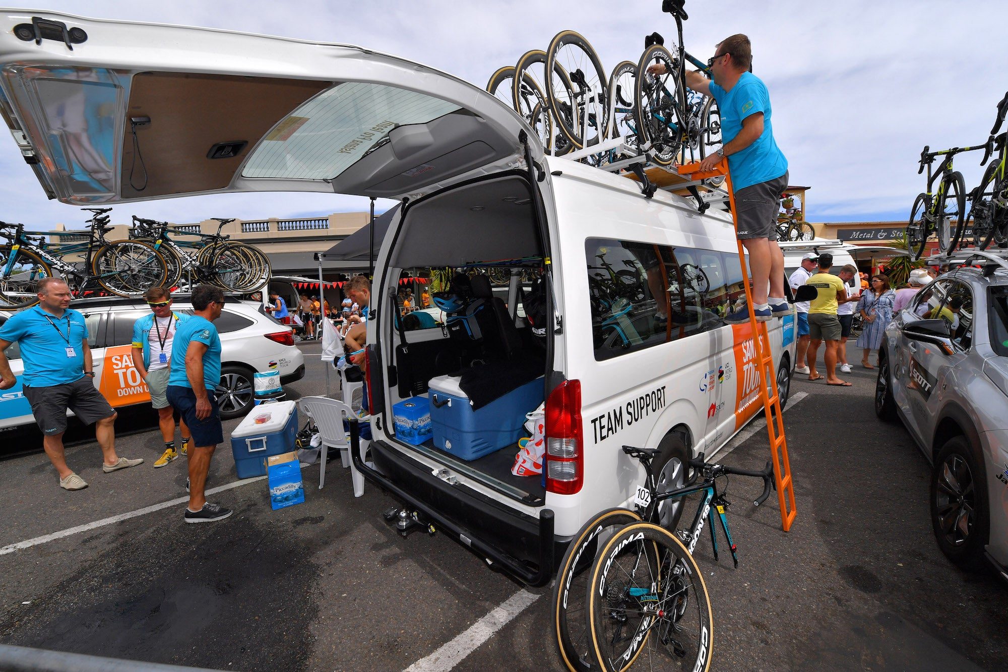 How mechanics keep bikes running smooth at the Tour Down Under