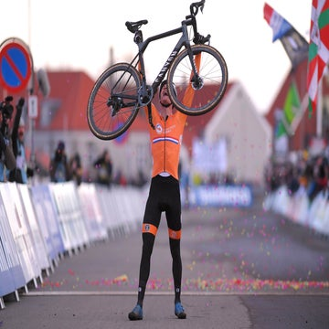 Van der Poel rides into the rainbow stripes in Bogense