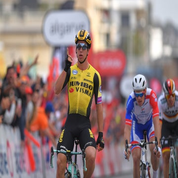 Algarve stage 4: Groenewegen escapes late mechanical scare to take sprint victory