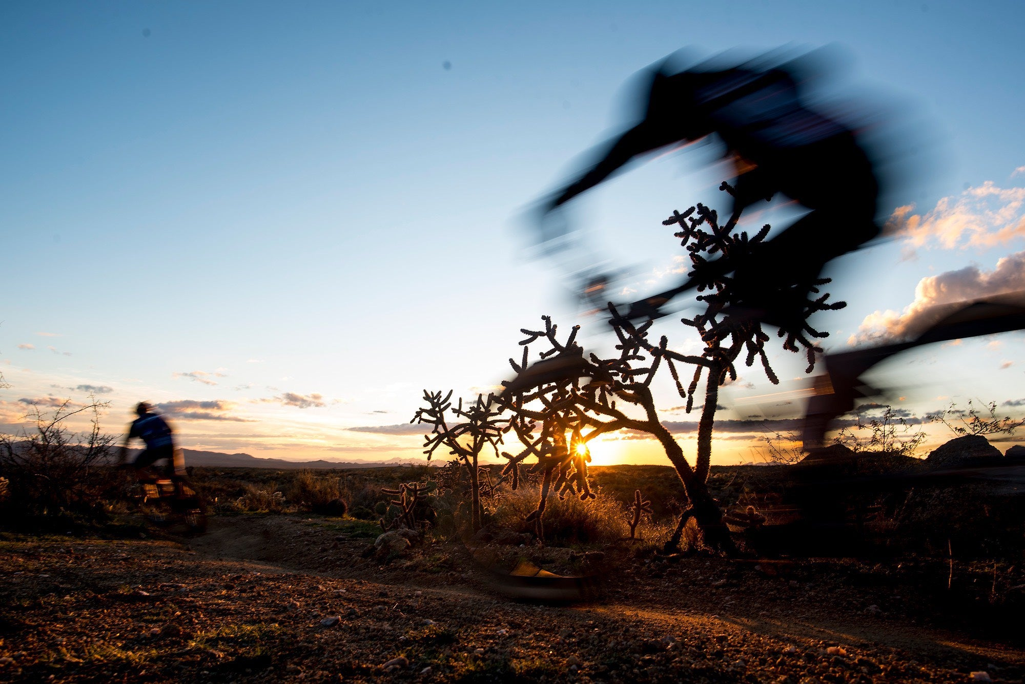 The soul of 24-hour MTB racing still blooms in the Arizona desert ? VeloNews.com