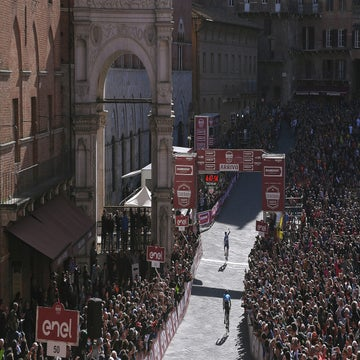 Roundtable: A scintillating Strade Bianche