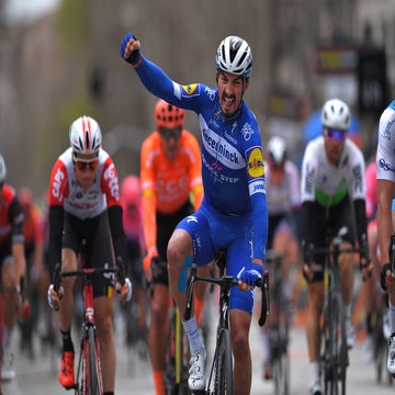 Tirreno stage 6: Alaphilippe takes surprise sprint win