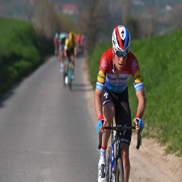 Jungels sets up Stybar with more solo heroics