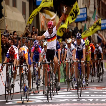 VN Archives: Zabel's rookie mistake at Sanremo 2004