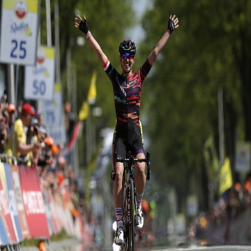Video highlights: Niewiadoma wins Amstel Gold with panache