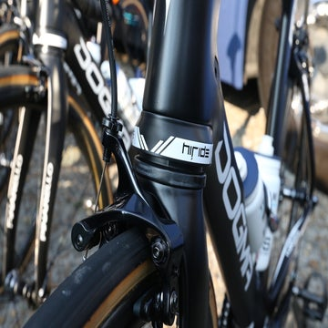Roubaix tech gallery: Chain catchers, fat tires, and road bike suspension