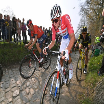 Van der Poel overcomes frightening Flanders crash to finish fourth
