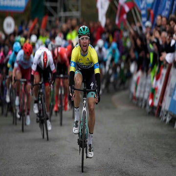 Schachmann powers to stage 3 victory and extends GC lead at Basque Country