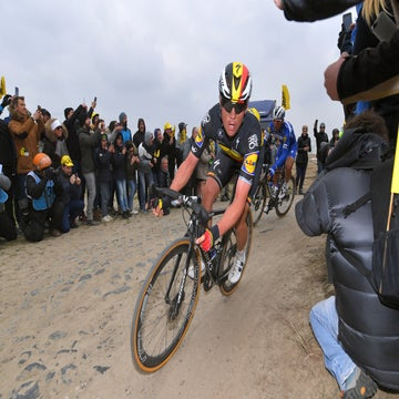 Eisel raises alarm over fans taking photos at Roubaix
