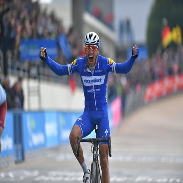 Gilbert leads home Quick-Step masterclass at Paris-Roubaix