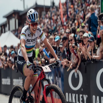 Courtney, van der Poel win MTB World Cup in Czech Republic