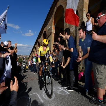Tit-for-tat a side show to Roglic's impressive Giro opening shot
