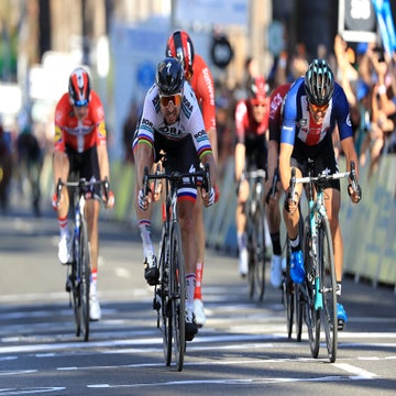 Tour of California stage 1: Sagan tops McCabe in Sacramento