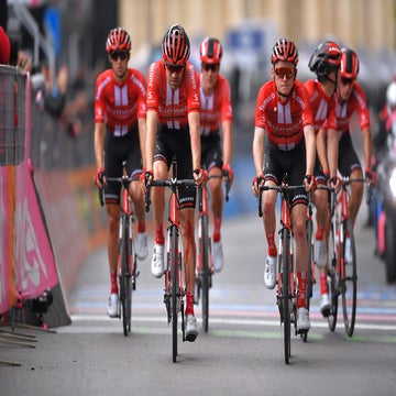 Crash spells end of Dumoulin's overall Giro hopes