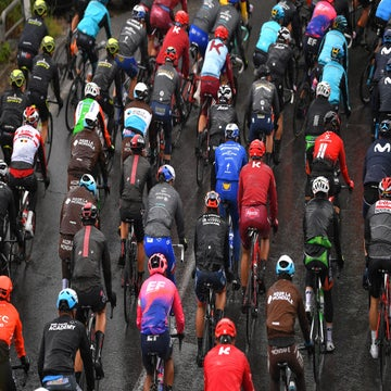 Rain and cold emerging as early Giro protagonists