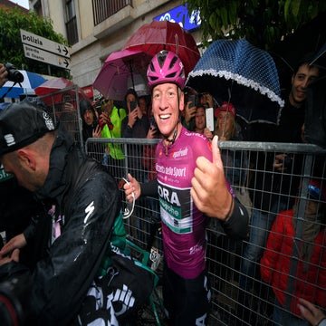 Late surge lands Ackermann his second Giro stage victory