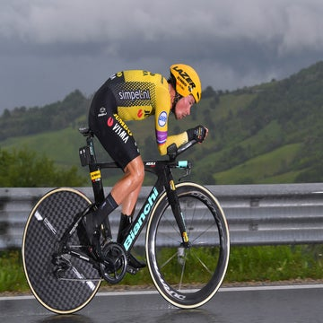 Roglic piles the pressure on Giro rivals