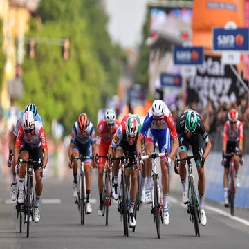 Giro d'Italia stage 8: Demare finds his speed in Modena
