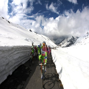 Giro officials mull alternatives if Gavia remains snowbound