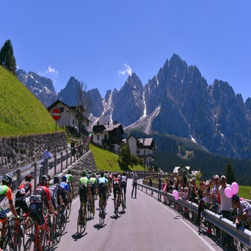 Analysis: A very Italian Giro route that packs a late punch