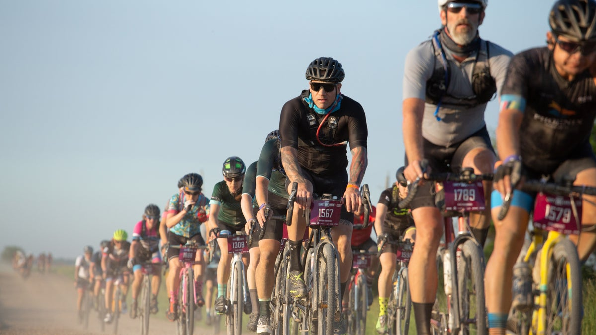 UCI-sanctioned gravel series, world championships will be contested in 2022
