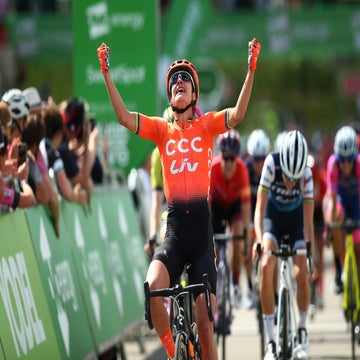 Vos wins OVO Women's Tour stage 2