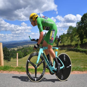 Dauphiné stage 4: Wout van Aert takes first WorldTour win, Yates in yellow