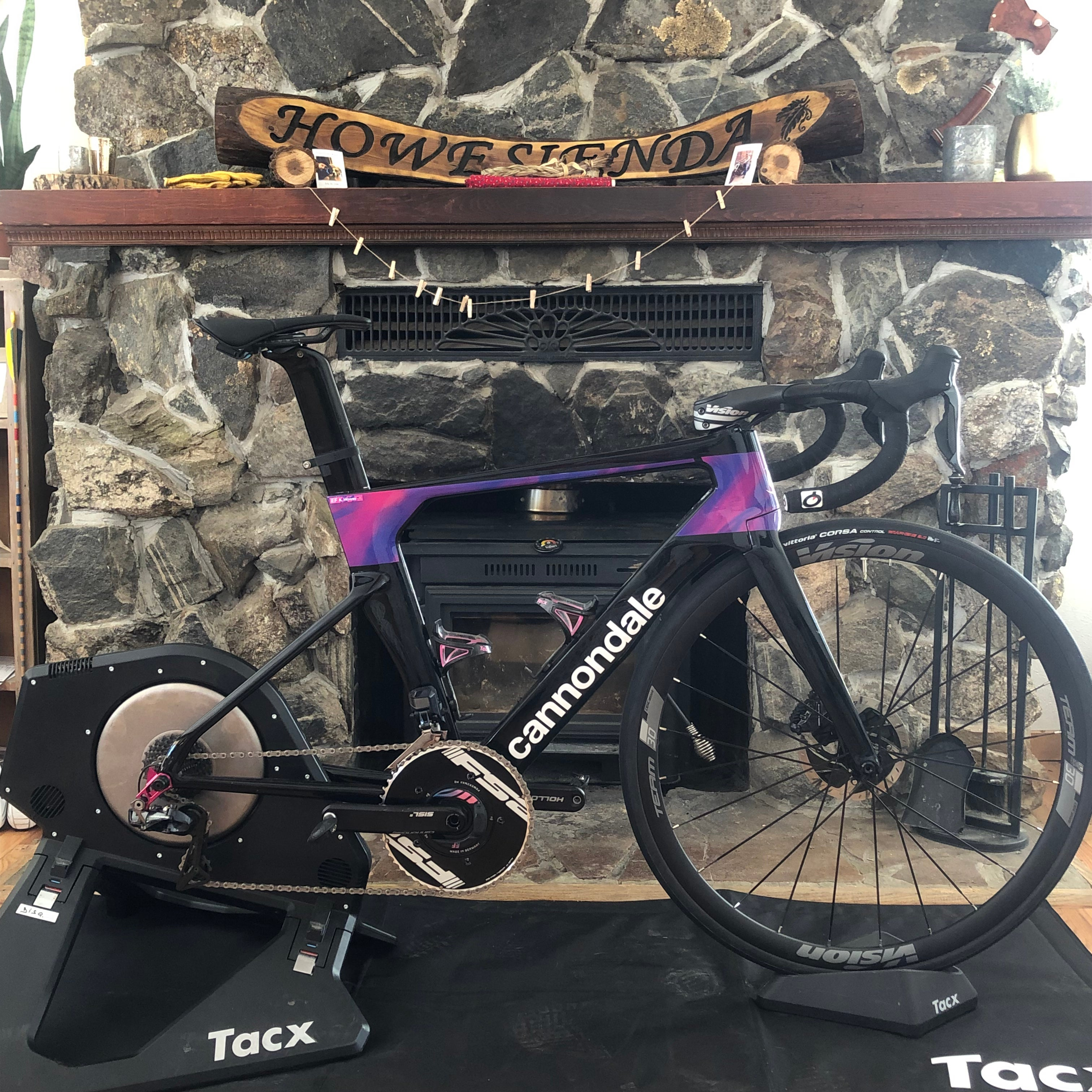 Alex Howe's Cannondale and Tacx Neo trainer